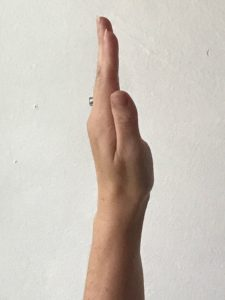 nerve gliding flat hand with neutral wrist